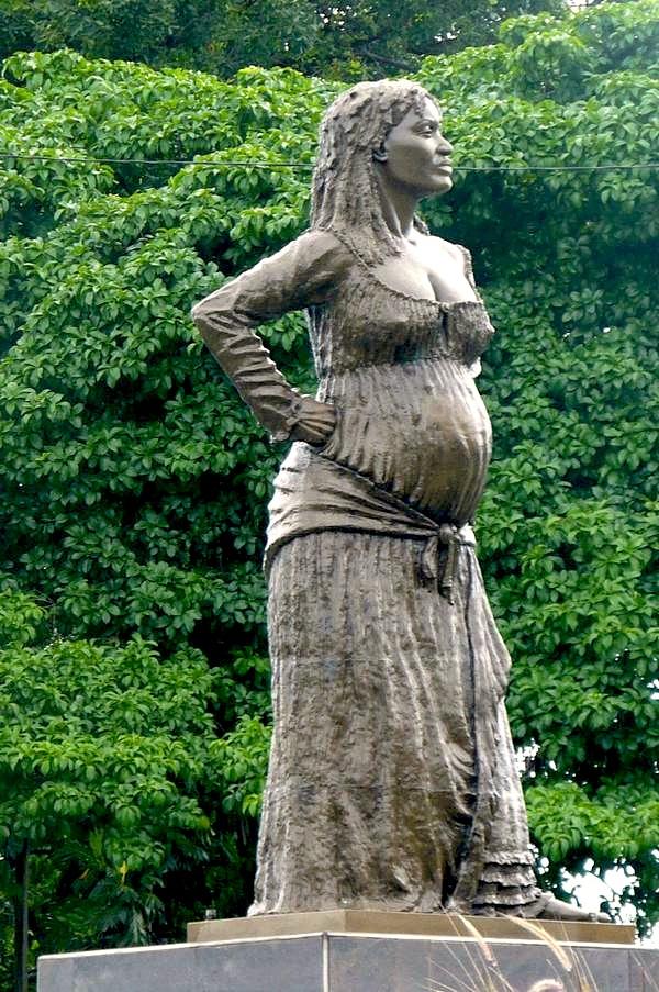 Statue en pied